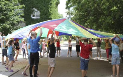 Дети из семей переселенцев узнали о Боге, в летнем библейском лагере в Бердянске