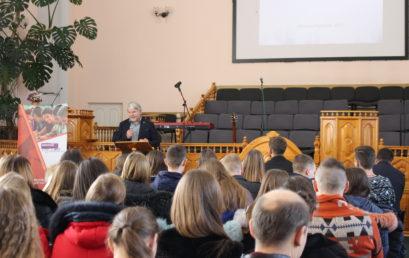 О влиянии на будущее общества через миссию в профессии, говорили на молодежной конференции в Виннице