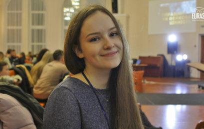 В Полтаве молодежь говорила о настоящих и фейковых ценностях