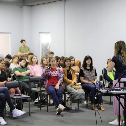 Оснащающее мгновение. В эту субботу в Украине проходила конференция о летних лагерях Empower