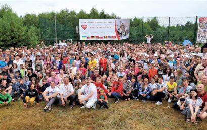 «Каждому ребенку, счастливую семью!» – под таким девизом проходил международный IV-й конгресс-фестиваль «Сердце для сирот» в Украине